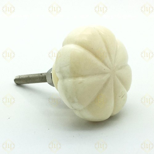 Bone Knobs Set Of Four (8 Leafs) Ivory